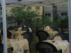 Au Café Restaurant des Lauriers