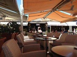 Delicious Cafe Bar