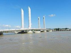 Le Pont Jacques Chaban Delmas