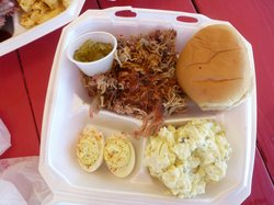 Tomlin ​ BBQ &  Catering