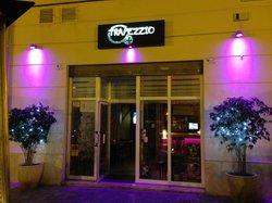 Trapezzio Cafe