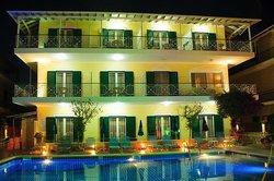 Yannis Aparthotel