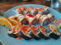 Mango's Sushi & Sports Bar