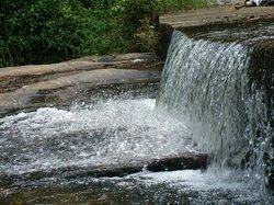 Dhoni Waterfalls