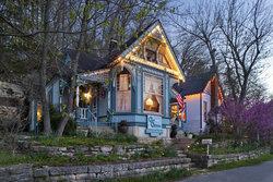 Cliff Cottage Inn - Luxury B&B Suites & Historic Cottages