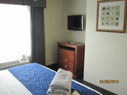 Bedroom, TV in both rooms