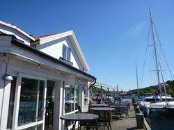 Hjalmars Bar & Brygga
