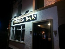 Woods Bar & Lounge