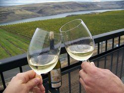 Hood River Winery Tours