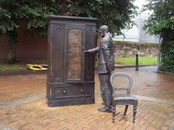The Searcher, CS Lewis Wardrobe Statue