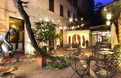 Hotel Locarno Bar & Kitchen