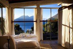 Lush Atitlan/Hotel Aaculaax