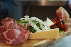 Volpino Pizzeria & Wine Bar