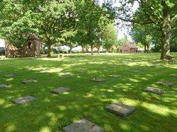 Deutscher Soldatenfriedhof Menen 1914 - 1918