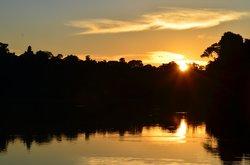 beautiful sunset lago tres chimbadas inotawa