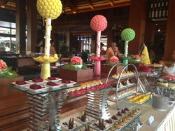 Noo Sam buffet Rest Crowne Plaza