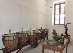 Vallindras Kitron Distillery