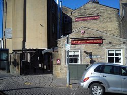 pub rear