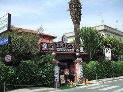 Tato's Irish Pub