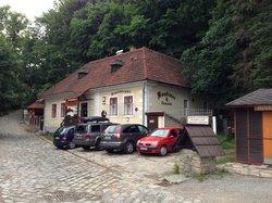 Kastelan - restaurant & brewpub
