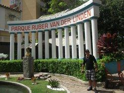 Parque Ruber Van Der Linder (Pau Pombo)