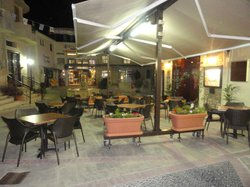 Pissouri Square Snack Bar