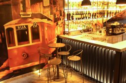 Rua- Tapas & Music Bar