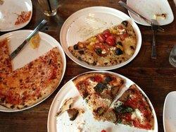 3 Palms Pizzeria & Bakery