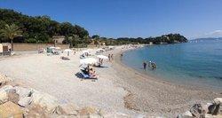Cavo beach a luglio