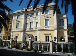 Ena Arenzano Hotel