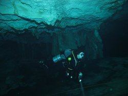 Cenote-Diving.com