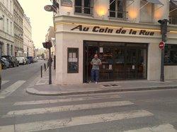 Cafe Resto Au Coin de la Rue