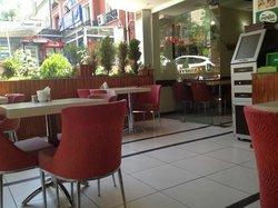 Kompleks Cafe
