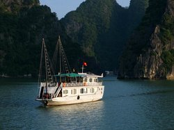 Ha Long Bay Daily Tours