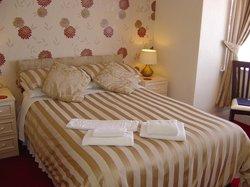 Ivernia Hotel