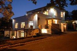 Consulate Apartments
