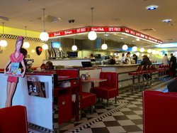 ‪Ed's Easy Diner - Cheshire Oaks‬