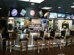 Halftime Sports Bar and Grill