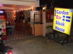 Small Garden Bar & Steakhouse