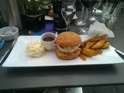 Adel.es Restaurant