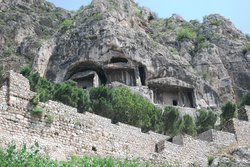 Kral Kaya Tombs