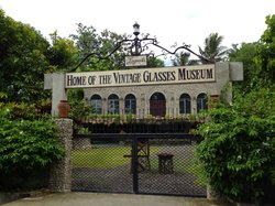 ‪Laguerta Home of the Vintage Glasses Museum‬