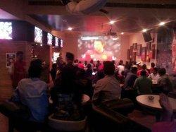 10 Sports Bar & Grill
