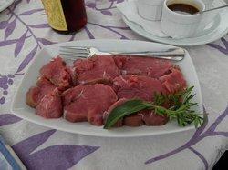 Kalvkött i väntan på tillredningssten