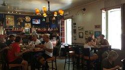 Le Cafe Sola