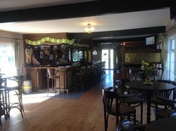 Manor House Bar and Bed & Breakfast