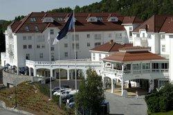 Dr. Holms Hotel