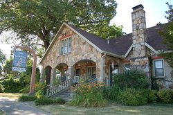 Olde Stonehouse Bed & Breakfast