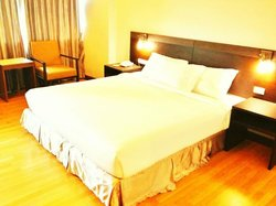 SinKiat Buri Hotel