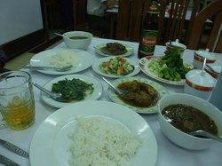 danuphyu daw saw Yee Myanma